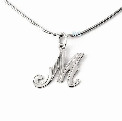 Stříbrný přívěsek - písmeno M